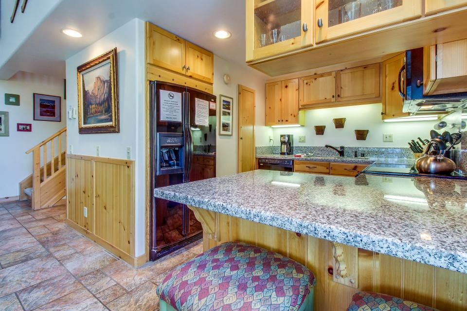 Val D'Isere 45 - Mammoth Lakes Vacation Rental - Photo 11