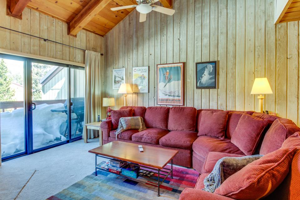 Cozy Courchevel Cottage - Mammoth Lakes Vacation Rental - Photo 2