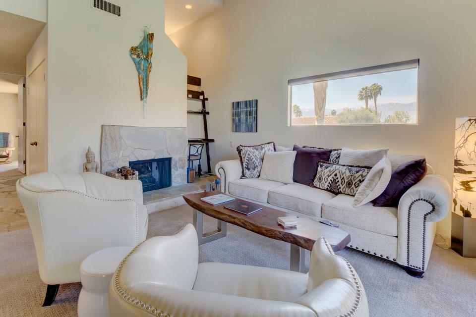 Sunning Days - Rancho Mirage - Take a Virtual Tour