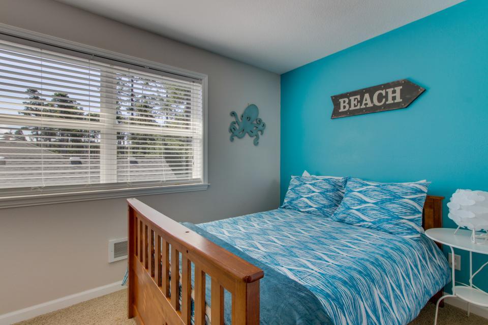 Rockaway Getaway - Rockaway Beach Vacation Rental - Photo 19