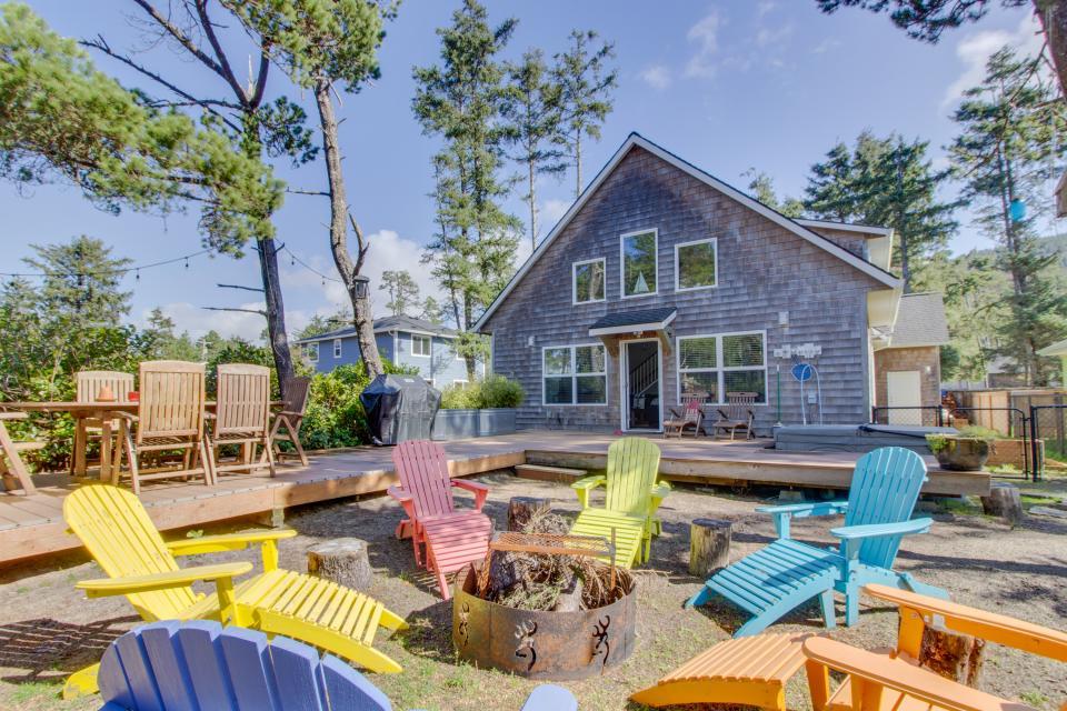 Rockaway Getaway - Rockaway Beach Vacation Rental - Photo 1