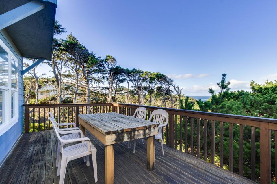 Oceanview Escape - Depoe Bay Vacation Rental - Photo 28