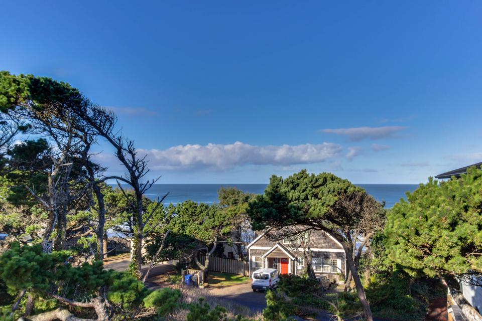 Oceanview Escape - Depoe Bay Vacation Rental - Photo 30