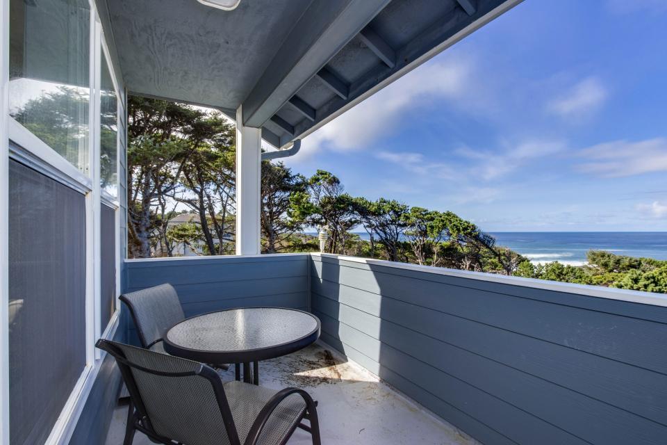 Oceanview Escape - Depoe Bay Vacation Rental - Photo 17