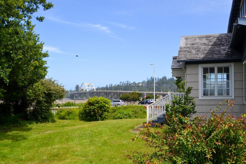 Maple House - Waldport Vacation Rental - Photo 1