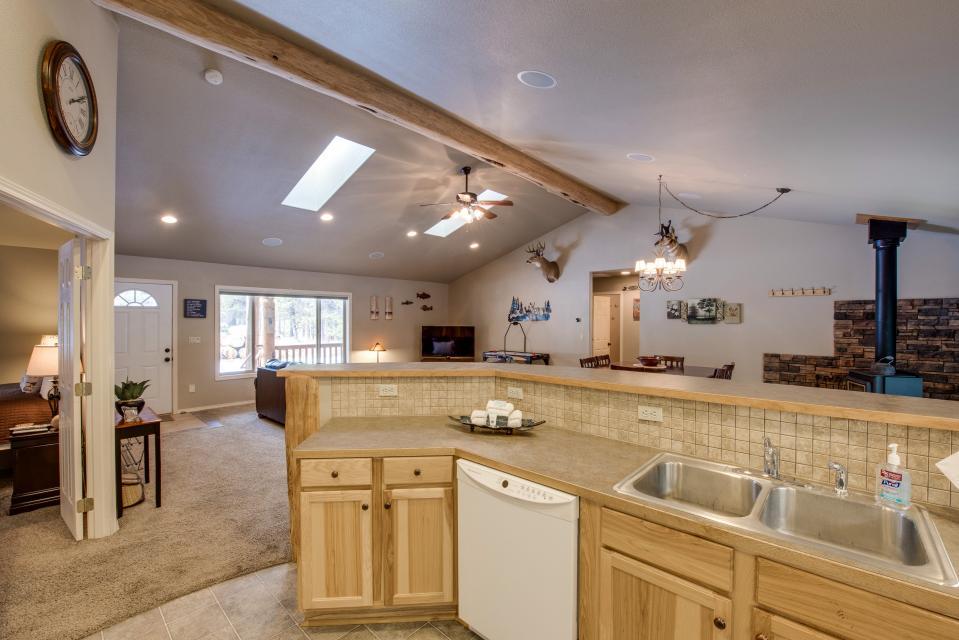 Three Rivers Lodge - Sunriver Vacation Rental - Photo 10