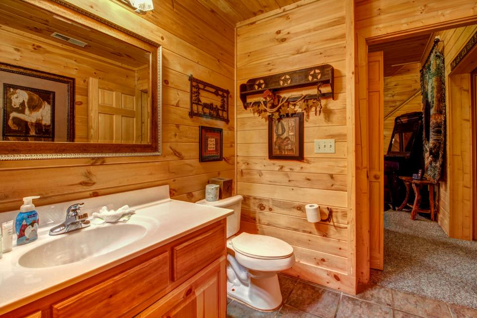 Mystic Falls Lodge - Sevierville Vacation Rental - Photo 24