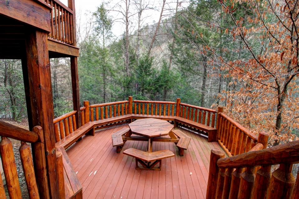 Mystic Falls Lodge - Sevierville Vacation Rental - Photo 30
