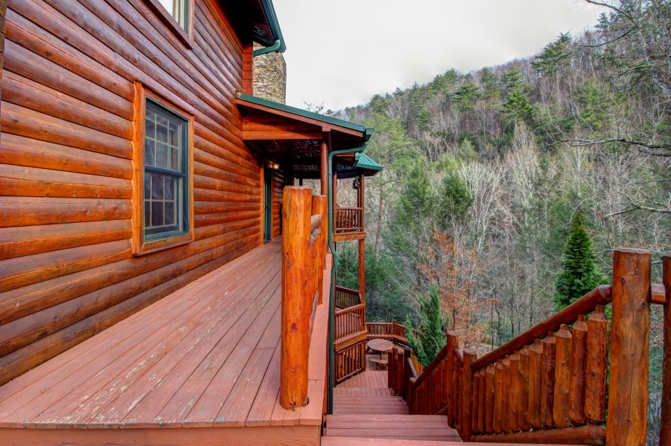 Mystic Falls Lodge - Sevierville Vacation Rental - Photo 33