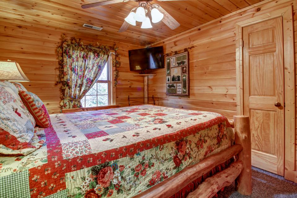 Mystic Falls Lodge - Sevierville Vacation Rental - Photo 53