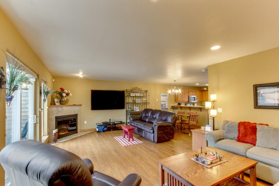 Ocean Beach Getaway on the Lake - Rockaway Beach Vacation Rental - Photo 1