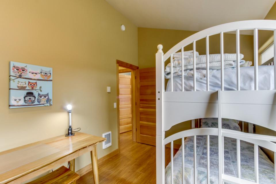 Ocean Beach Getaway on the Lake - Rockaway Beach Vacation Rental - Photo 19