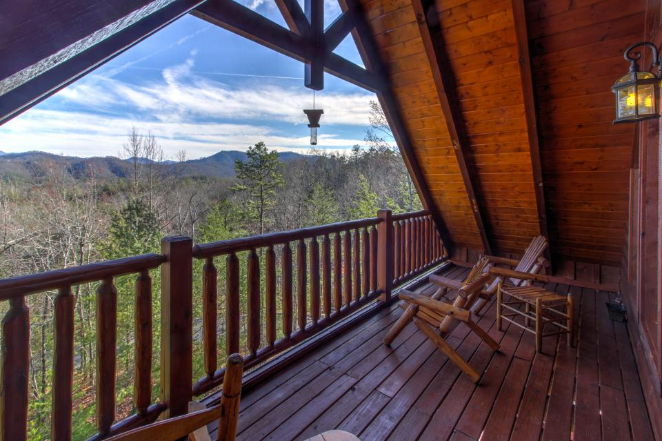 Touch of Elegance  - Sevierville Vacation Rental - Photo 2