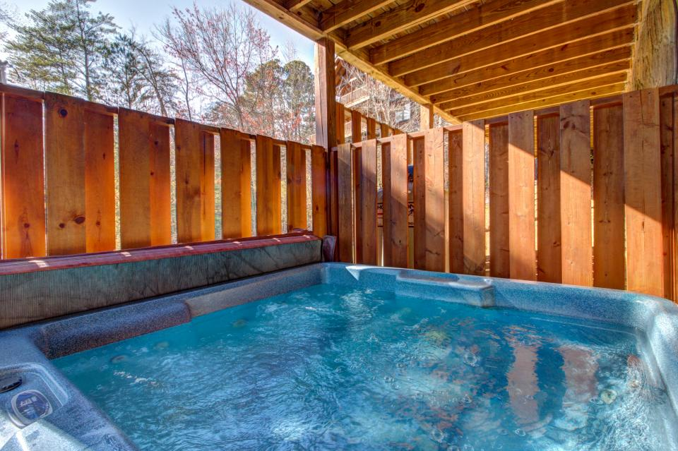 Touch of Elegance  - Sevierville Vacation Rental - Photo 5