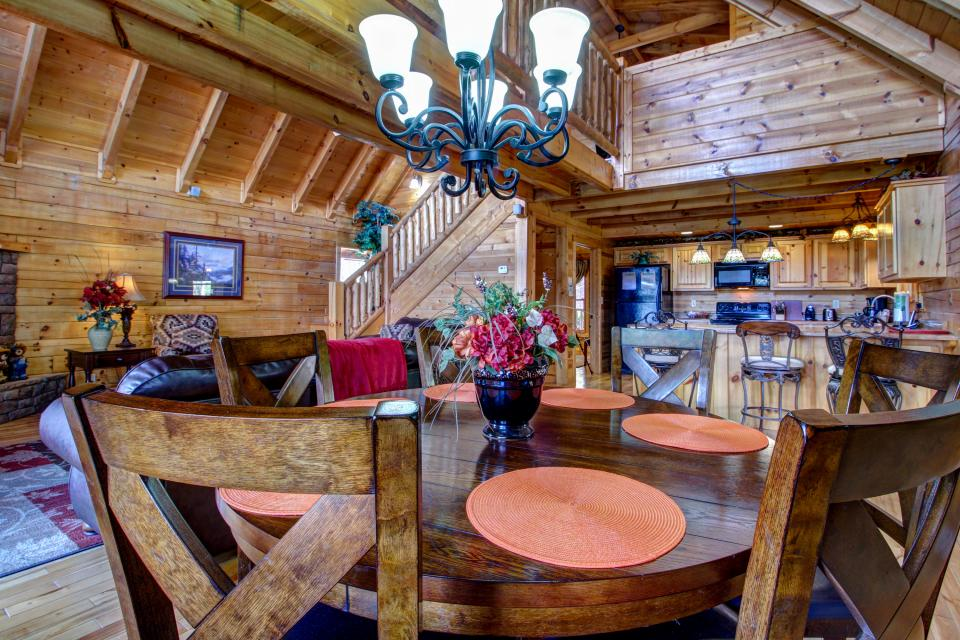 Touch of Elegance  - Sevierville Vacation Rental - Photo 10