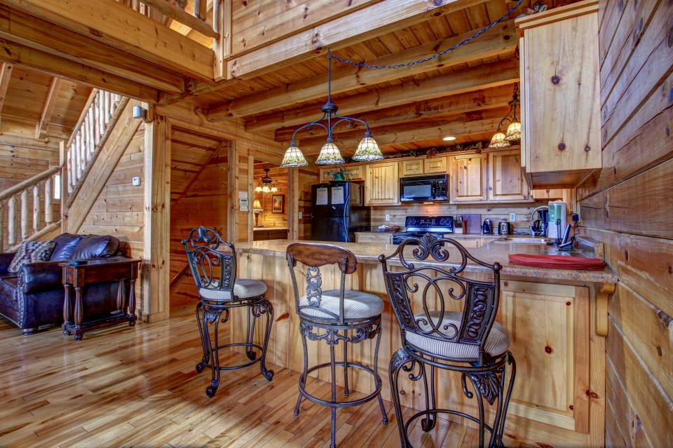 Touch of Elegance  - Sevierville Vacation Rental - Photo 11
