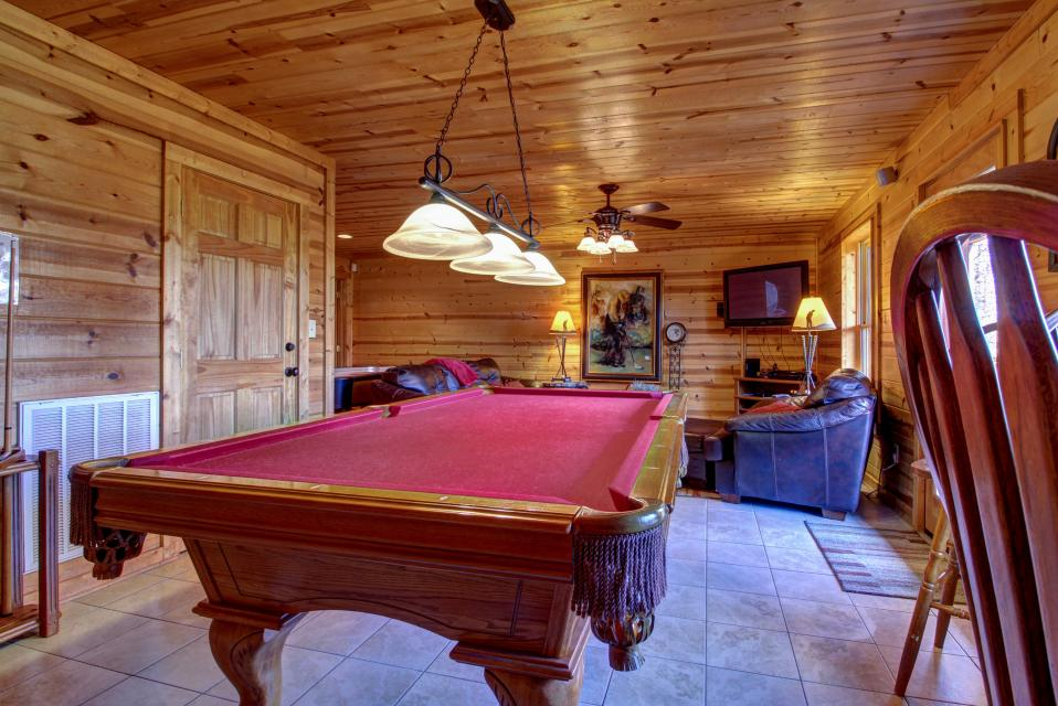Touch of Elegance  - Sevierville Vacation Rental - Photo 16