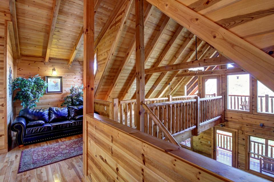 Touch of Elegance  - Sevierville Vacation Rental - Photo 22