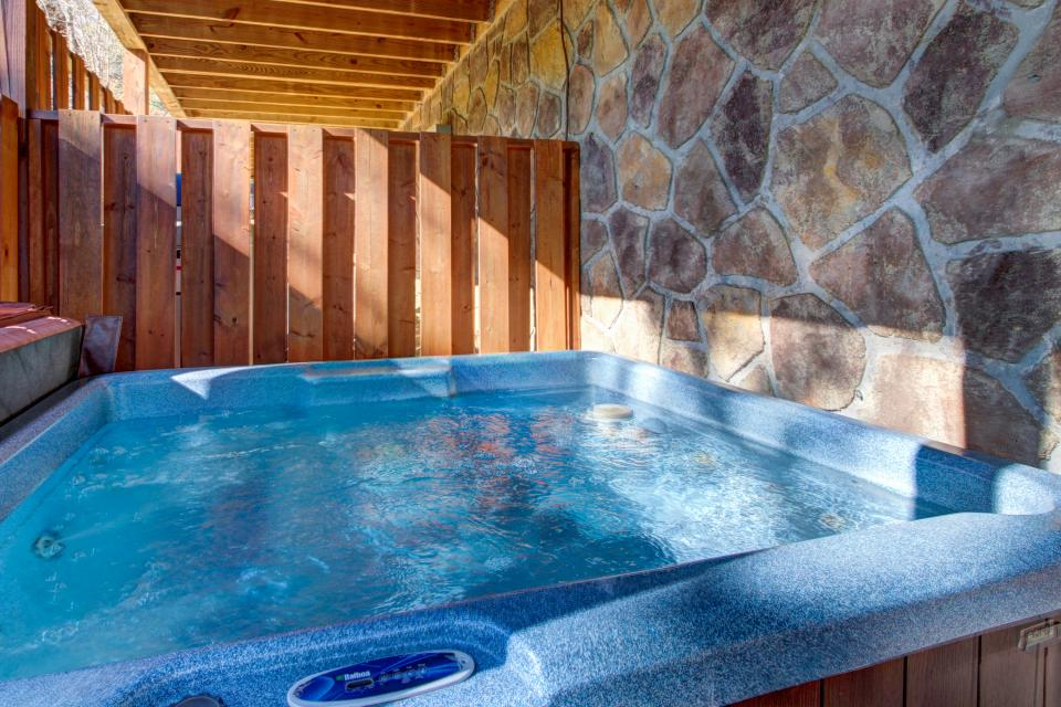 Touch of Elegance  - Sevierville Vacation Rental - Photo 51