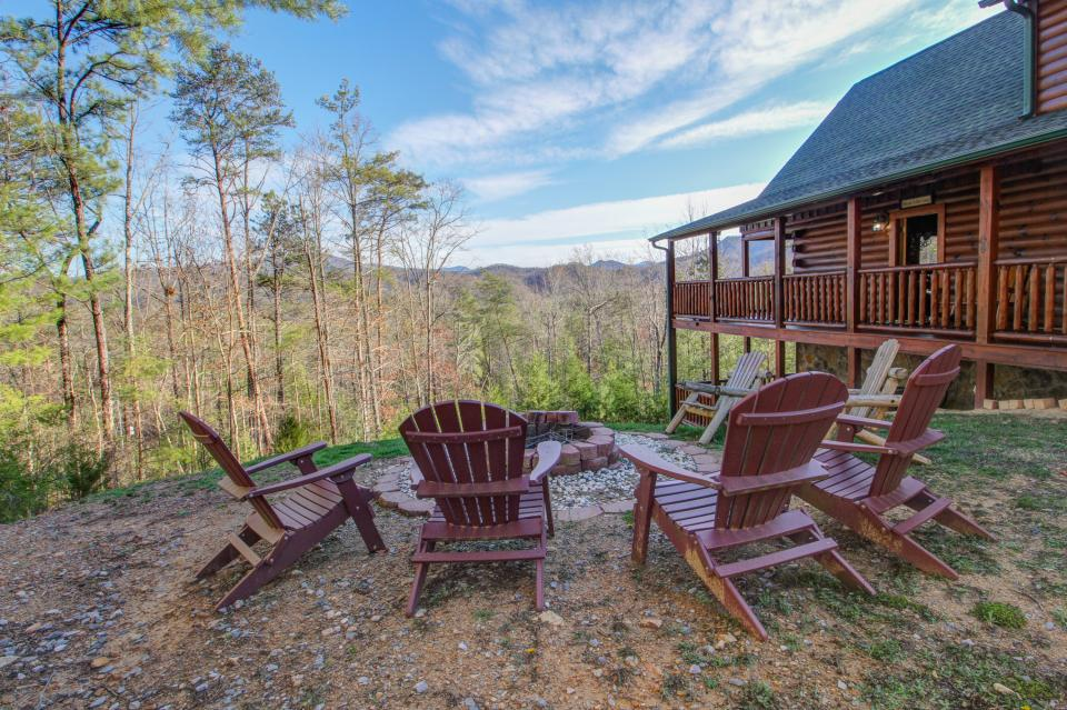 Touch of Elegance  - Sevierville Vacation Rental - Photo 28