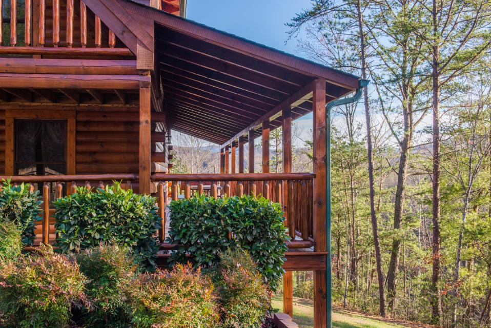 Touch of Elegance  - Sevierville Vacation Rental - Photo 32