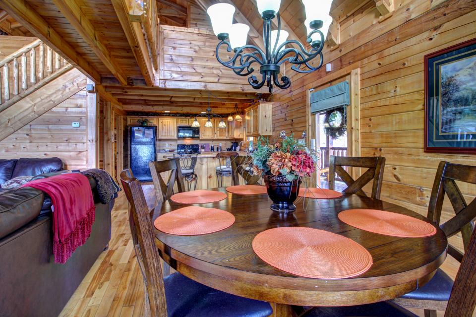 Touch of Elegance  - Sevierville Vacation Rental - Photo 35