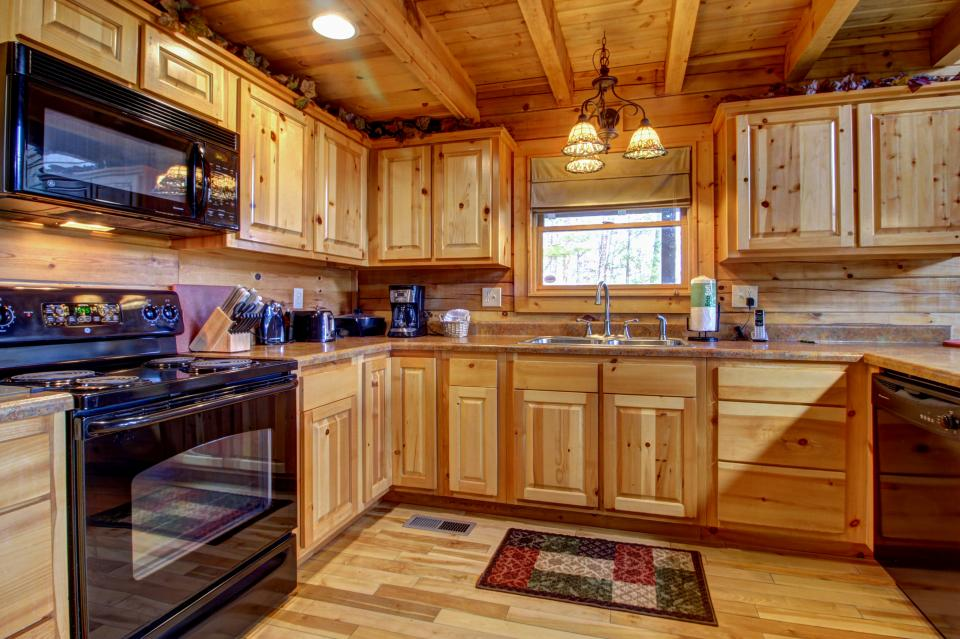 Touch of Elegance  - Sevierville Vacation Rental - Photo 36