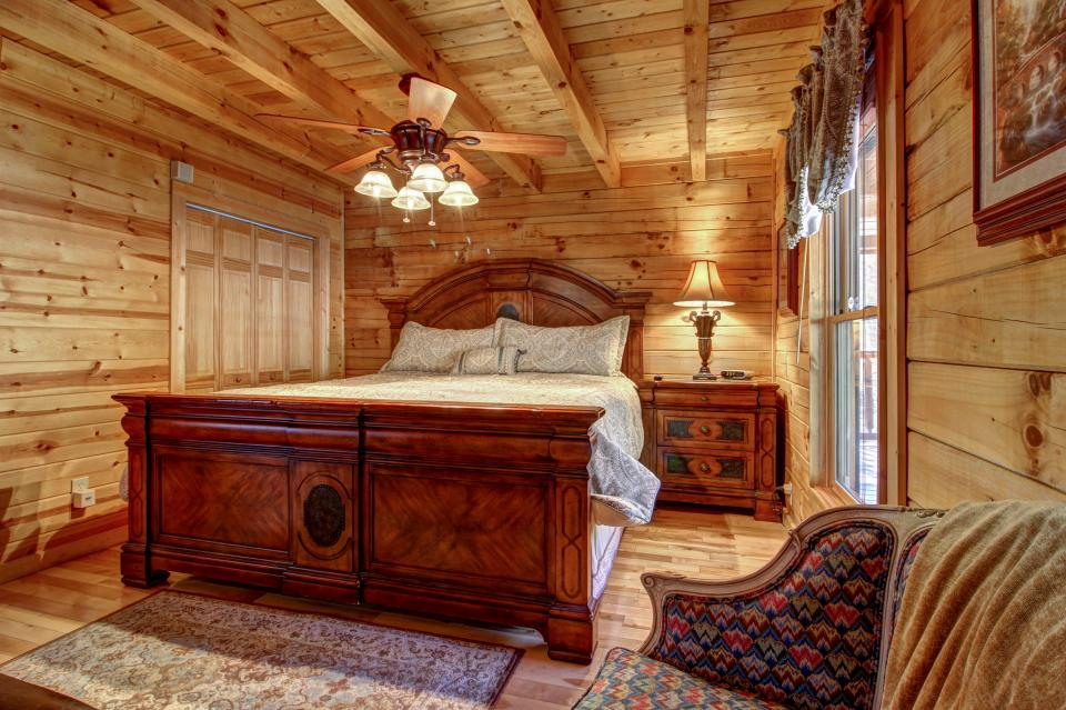 Touch of Elegance  - Sevierville Vacation Rental - Photo 40
