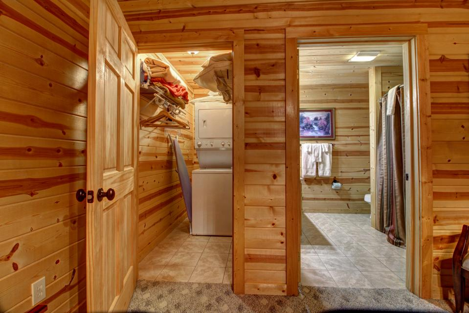 Touch of Elegance  - Sevierville Vacation Rental - Photo 46