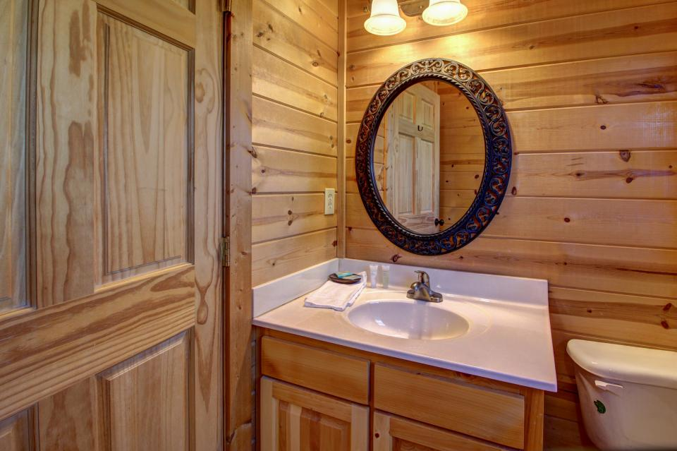 Touch of Elegance  - Sevierville Vacation Rental - Photo 50