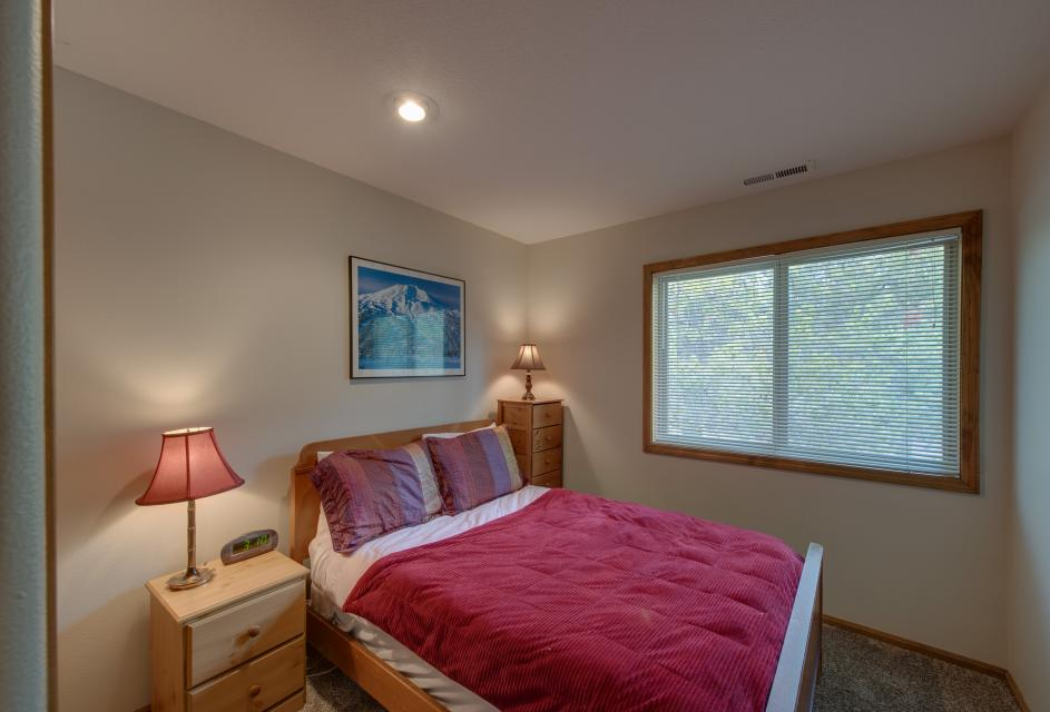 6 Approach Lane - Sunriver Vacation Rental - Photo 4