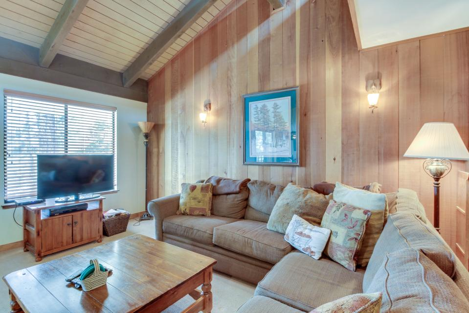 Discovery 4 106 - Mammoth Lakes Vacation Rental - Photo 2
