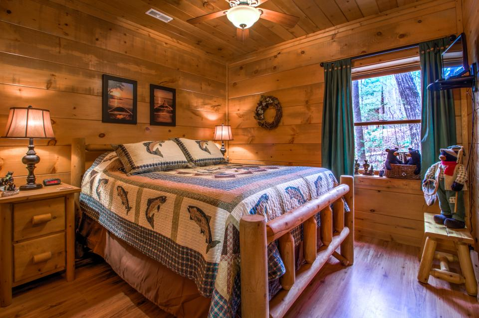 Two Bears  - Sevierville Vacation Rental - Photo 21