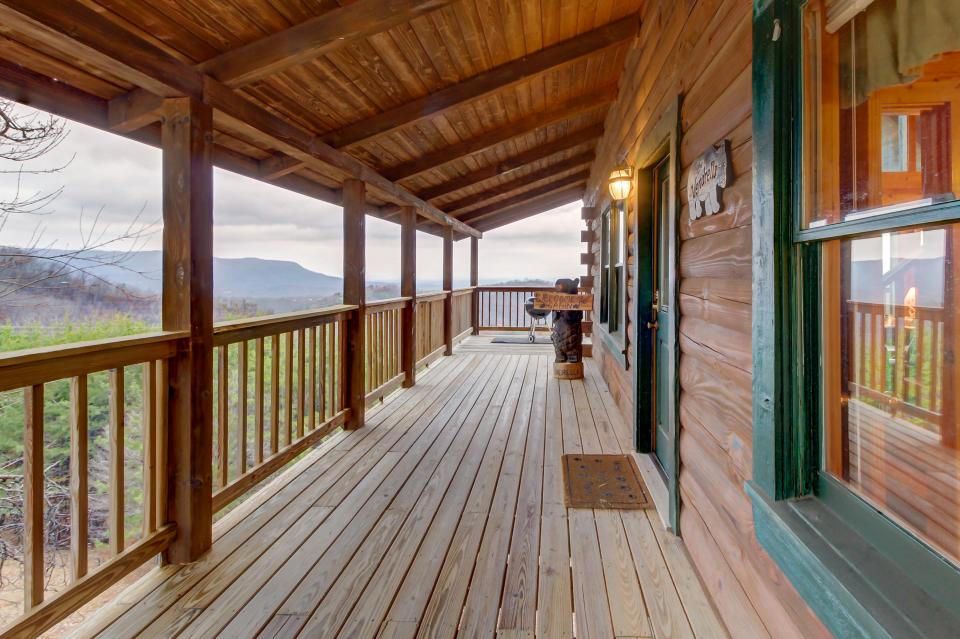 A Point of View Cabin - Sevierville Vacation Rental - Photo 37