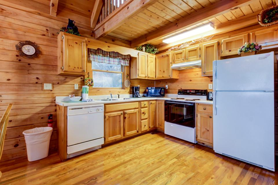 A Point of View Cabin - Sevierville Vacation Rental - Photo 8