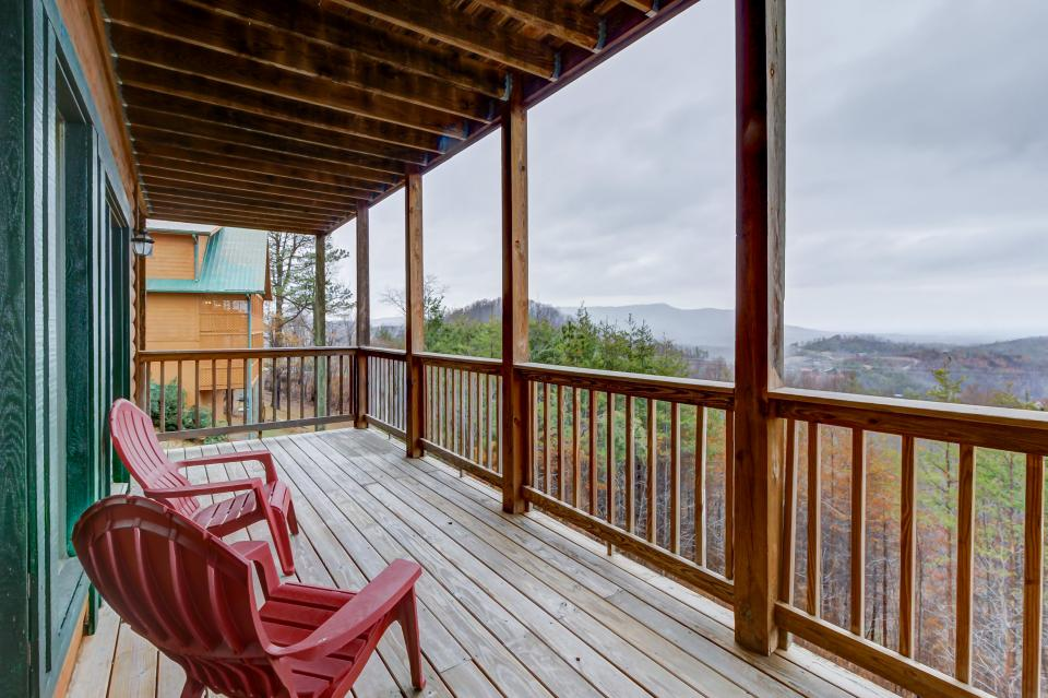 A Point of View Cabin - Sevierville Vacation Rental - Photo 17