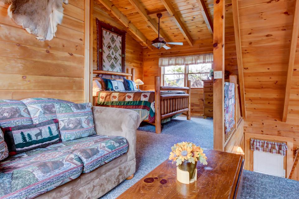 A Point of View Cabin - Sevierville Vacation Rental - Photo 26