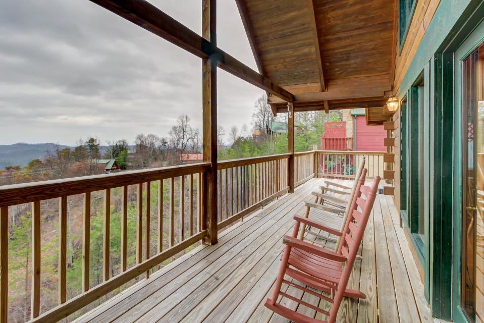 A Point of View Cabin - Sevierville Vacation Rental - Photo 35