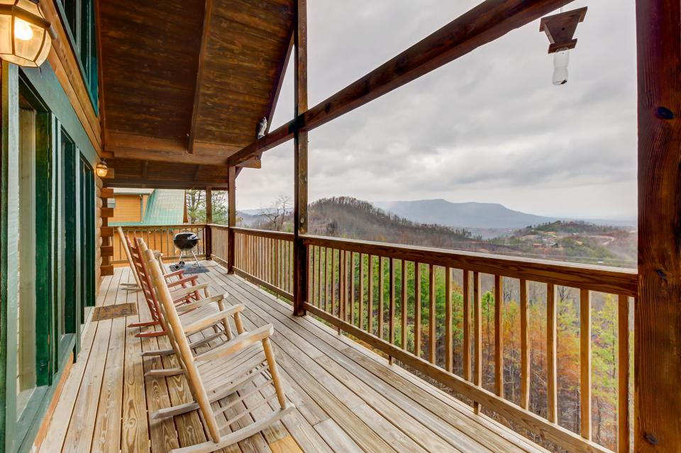 A Point of View Cabin - Sevierville Vacation Rental - Photo 33