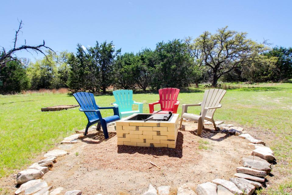 Legacy Hideaway - Harper Vacation Rental - Photo 20