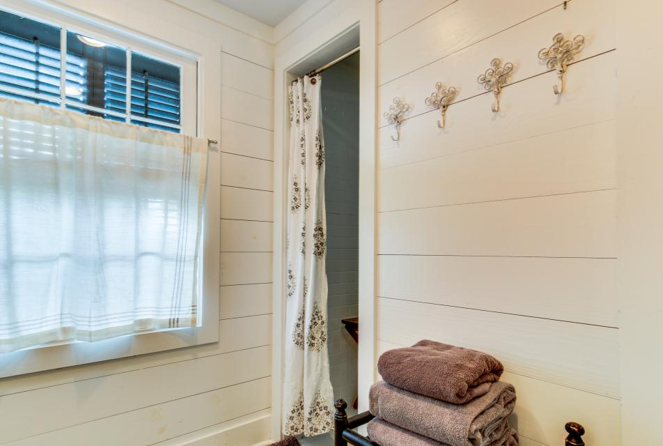 1883 Levy - Bowden Carriage House  - Galveston Vacation Rental - Photo 23