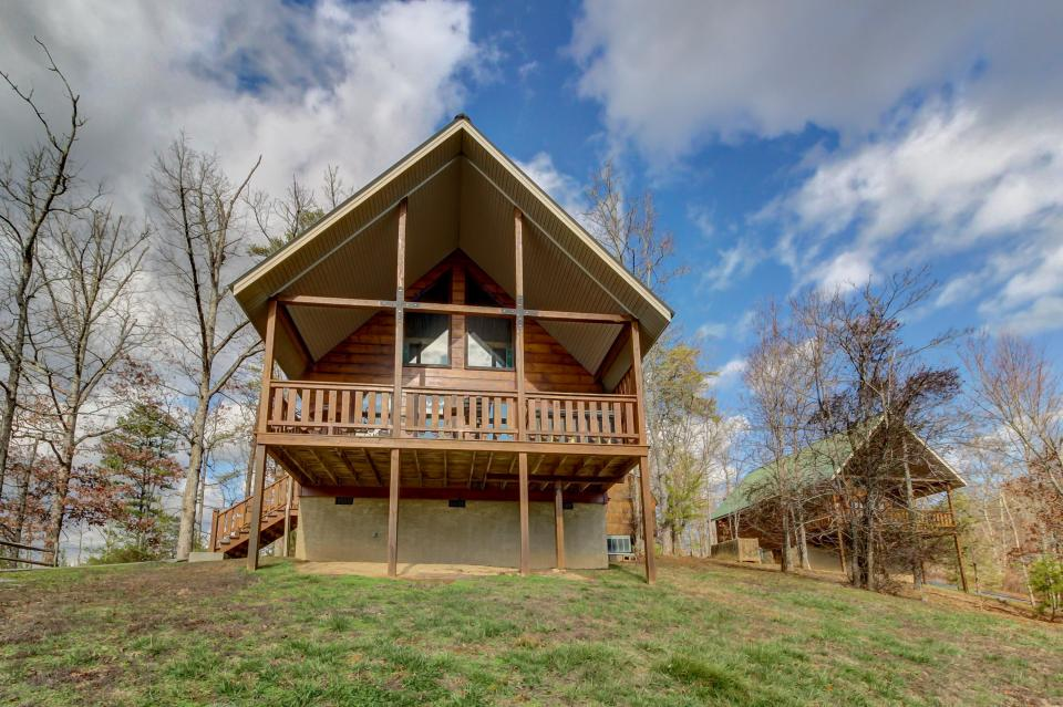 Awesome View Cabin - Sevierville Vacation Rental - Photo 36