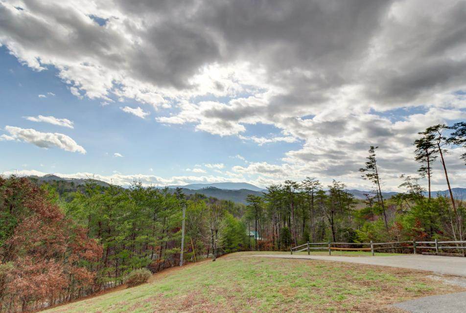 Awesome View Cabin - Sevierville Vacation Rental - Photo 35