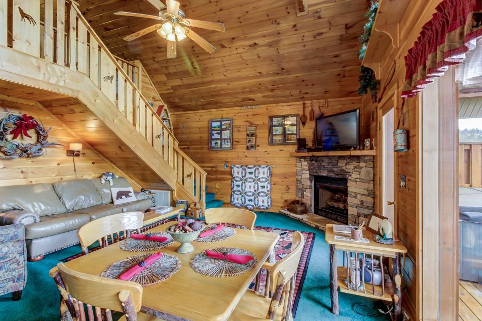 Awesome View Cabin - Sevierville Vacation Rental - Photo 4