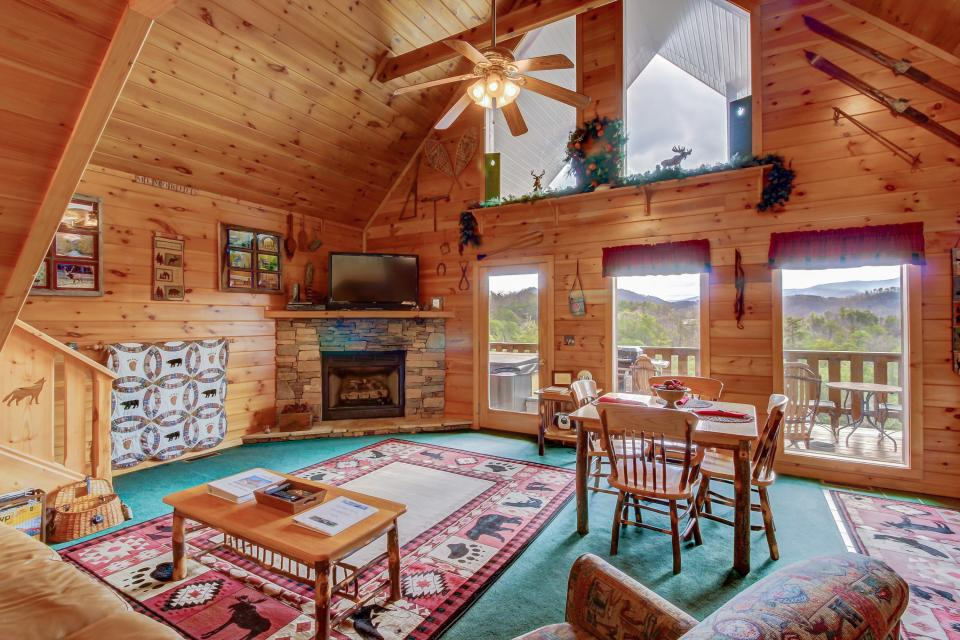 Awesome View Cabin - Sevierville Vacation Rental - Photo 9