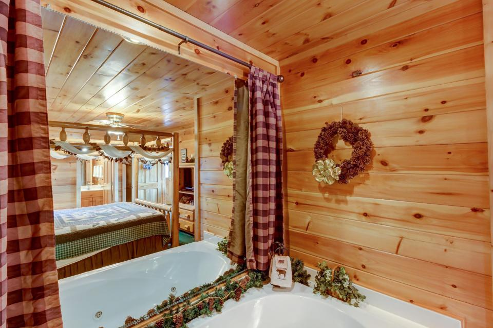 Awesome View Cabin - Sevierville Vacation Rental - Photo 17