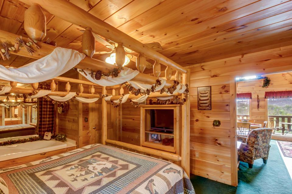Awesome View Cabin - Sevierville Vacation Rental - Photo 18