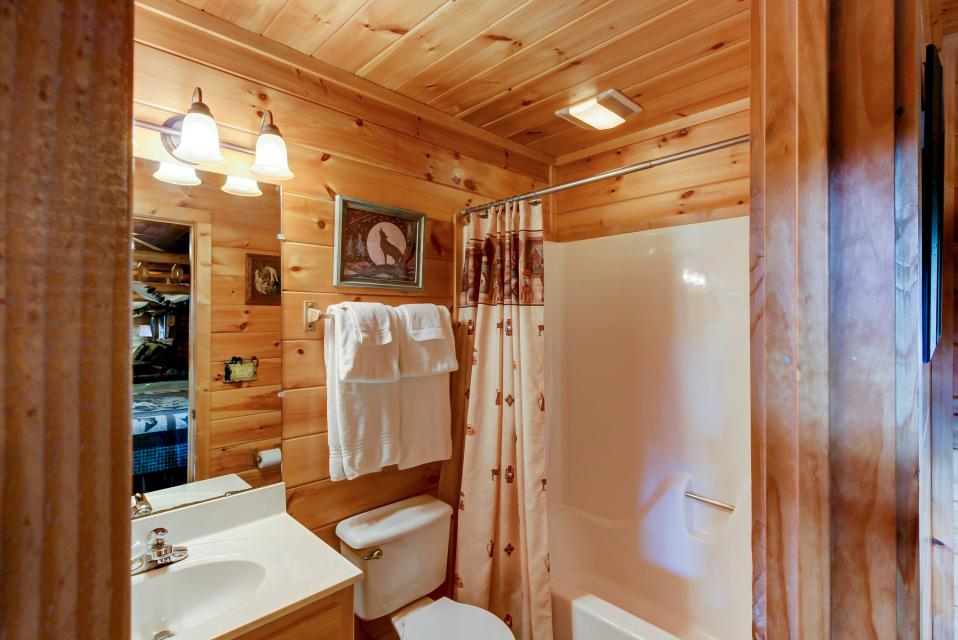 Awesome View Cabin - Sevierville Vacation Rental - Photo 19