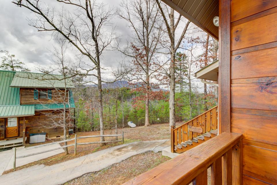 Awesome View Cabin - Sevierville Vacation Rental - Photo 28