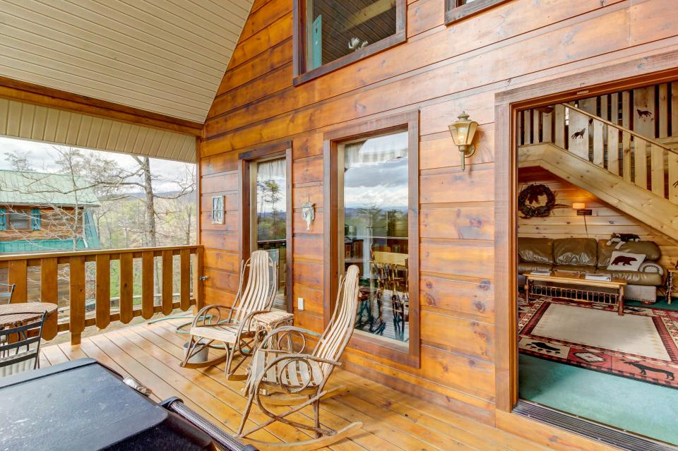 Awesome View Cabin - Sevierville Vacation Rental - Photo 23